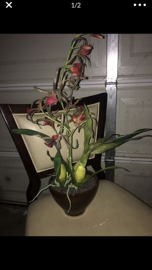 Silk flower fake flower arrangement vase floral orchids orchid tropical for Sale in Ontario, CA