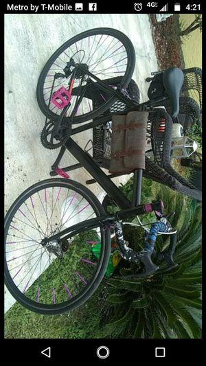 custom built 25c 700c roadbike TESTING WATERS BEST OFFER for Sale in Tampa, FL