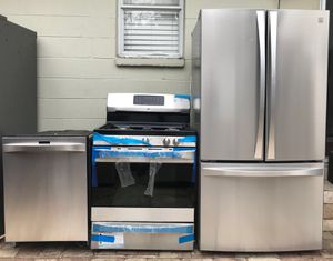 STAINLESS STEEL KITCHEN SET BY KENMORE for Sale in Tampa, FL