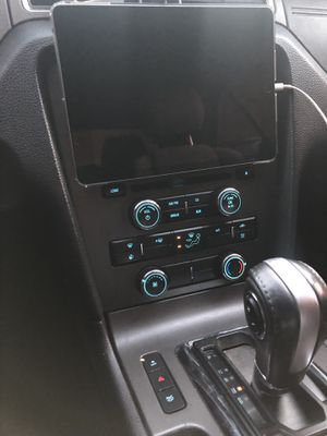 iPad dash installation for Sale in Fort Worth, TX