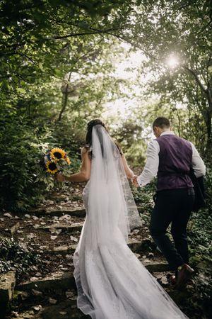 Wedding Dress for Sale in MERRIONETT PK, IL