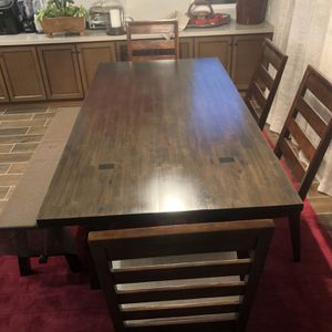 Dining Table , New for Sale in Clovis, CA