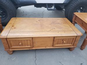 Coffee table for Sale in Lake Elsinore, CA