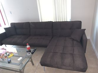 Surabaya Right Hand Facing Sleeper Sectional (Used condition) for Sale in Largo,  FL