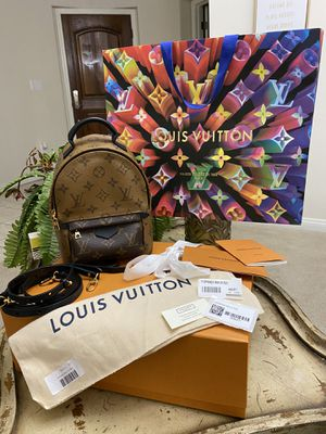 NEW LOUIS VUITTON MINI PLAM SPRING MONOGRAM REVERSE COMES WHIT TAGS DUST BAG ONLY MESAGE ME IF YOU READY TO PICK IT UP for Sale in Fresno, CA