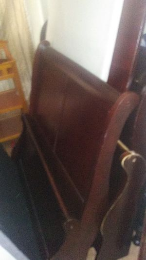 Very nice twin size sleigh bed. Very good condition! Headboard, footboard rails and slats with bunkieboard. for Sale in High Point, NC