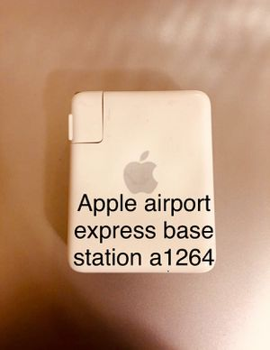 Mc book airport express base s for Sale in Ashland, OR