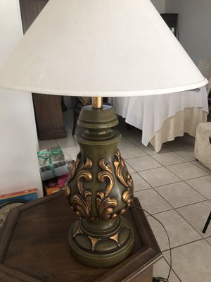 Vintage lamp for Sale in Fresno, CA