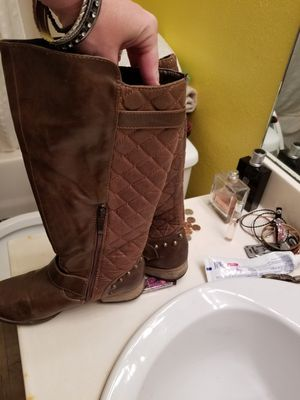 Size 6 5 boots for Sale in Prattville, AL