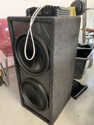 Speaker box & Amp for Sale in Wethersfield, CT