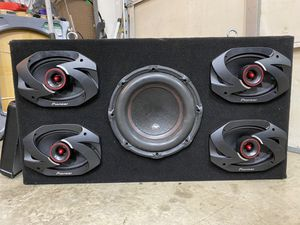Speaker box and amp for Sale in Noblesville, IN