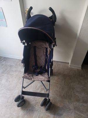 Maclaren stroller for Sale in Orange, CA
