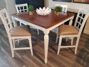 LUXURY HIGH TABLE SET for Sale in Orlando, FL