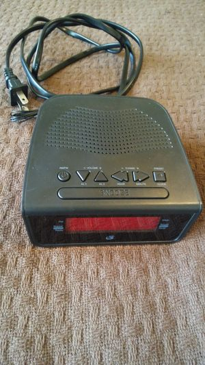 NEW GPX DUAL ALARM CLOCK NEVER USED, ALSO HAS FM RADIO ANTENNA. MUST PICK UP PLEASE. THANK YOU! for Sale in Baltimore, MD