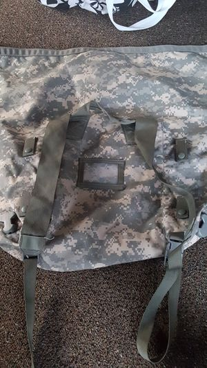 Army duffle bag for Sale in Stockton, CA