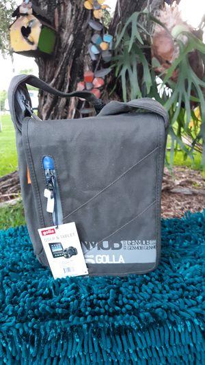 Golla DSLR & Tablet camera bag Carol army green NEW for Sale in Hollywood, FL