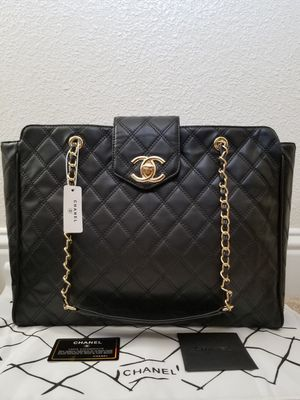 Chanel Leather Tote Bag (Purse, Handbag, Travel Carrier) for Sale in San Jose, CA