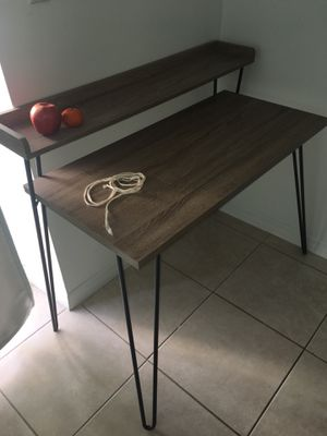 Like-new Wood and metal desk! for Sale in Miami, FL