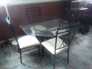 5 piece dining set for Sale in Temple Hills, MD