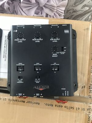 Kicker 30 band eq . Kq30 and kicker 3 way crossover kx3 like new . 170$ for Sale in Baltimore, MD