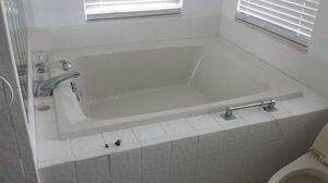 Hot tub 60x48 for Sale in St. Petersburg, FL