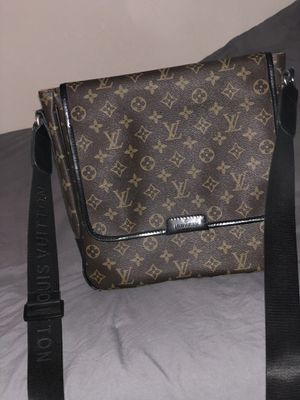 Louis Vuitton Bag for Sale in Port Orchard, WA