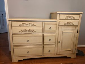 Beige antique dresser for Sale in Alexandria, VA