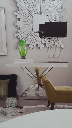 NEW, beautiful mirrored console or sofa table. for Sale in Miami Gardens, FL