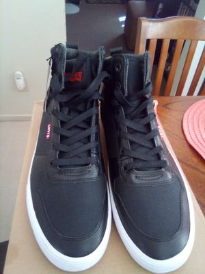 New MEN'S Levi's shoes size 12 MAKE AN OFFER for Sale in Huntington Park, CA
