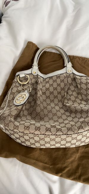 Authentic Gucci Sukey Tote bag with dust bag for Sale in Algonquin, IL