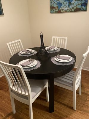 Dining Room Set with Settings For Sale... for Sale in Orlando, FL
