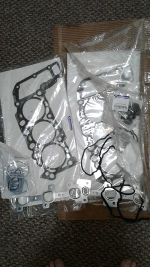 Mopar 3.7 head gasket set for Sale in Wayland, MA