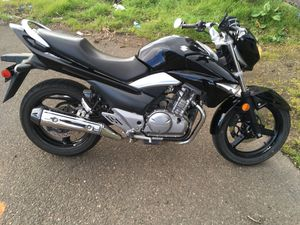 2013 Suzuki GW Motorcycle awesome naked look, ride with style for Sale in Vancouver, WA