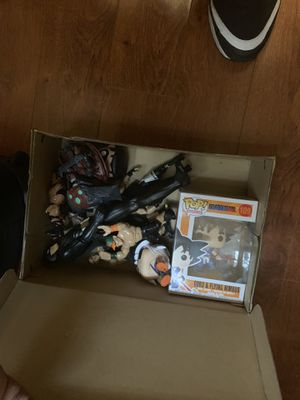 Box of action figures for Sale in Altamonte Springs, FL