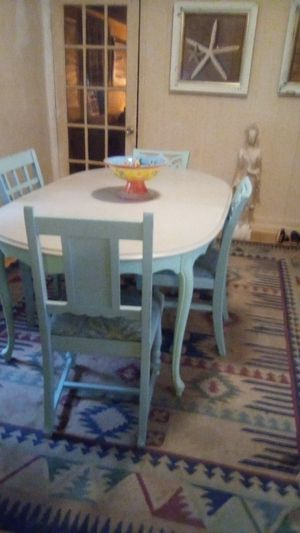 Antique kitchen table and chairs for Sale in Greenville, SC