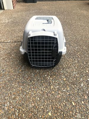 Small dog crate for Sale in Hendersonville, TN