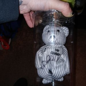 Derek Jeter Beanie Baby Signed for Sale in Thonotosassa, FL