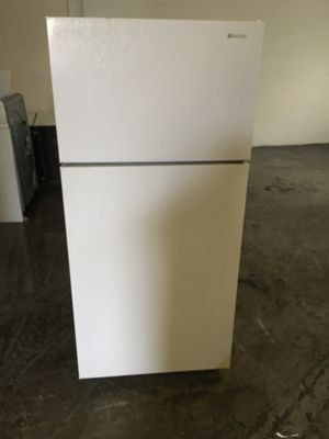 Refrigerator brand americano everything is good working condition 60 days warranty for Sale in San Lorenzo, CA
