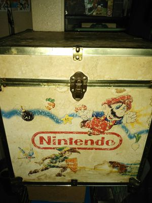 Old Nintendo wooden box for Sale in Hesperia, CA