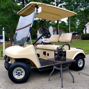 Beautiful CLUB CAR 48v Golf Cart! Fast DS Model! Just Needs Batteries! for Sale in Creedmoor, NC