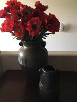 Pier 1 Espresso Brown Vases w/ Red Poppy Flowers for Sale in Las Vegas, NV