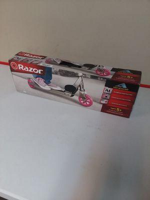 Pink razor kick scooter for Sale in Springfield, VA