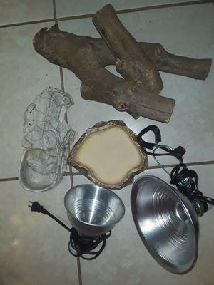Reptile/ lizard /2 heat lamps/rock cave/rock plate/2woods for Sale in Philadelphia, PA
