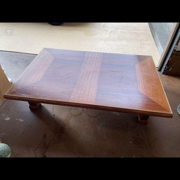 Low Oriental Table