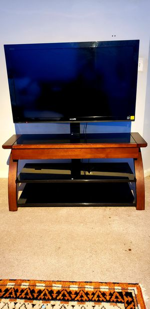 Sony TV and TV Stand for Sale in Sudley Springs, VA