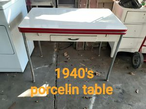 Very nice porcelain table for Sale in Modesto, CA