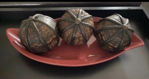 Decoración base cerámica con bolas for Sale in Poinciana, FL