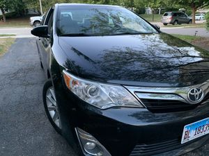 1012 Toyota Camry xle wery good condition sunroof ,gps .aluminium rims halogen 4 cylinder private seller for Sale in Naperville, IL