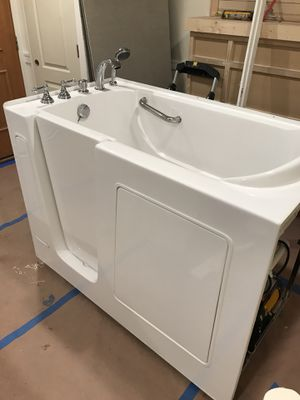 Dual Jetted Jacuzzi Bathtub for Sale in Bedford Park, IL