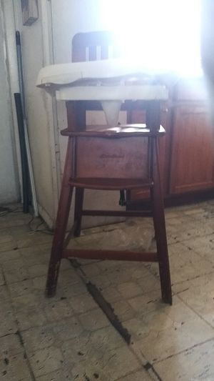 Eddie Bauer high chair nothing wrong with it clean for Sale in Lutz, FL